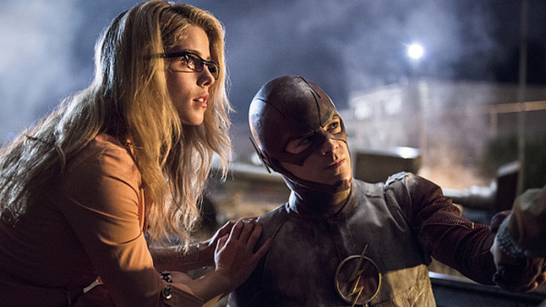 Barry Allen, en the Flash, et Felicity Smoak