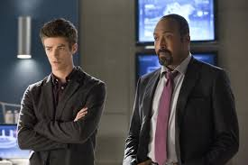 Barry Allen, The Flash, et son père adoptif Joe West