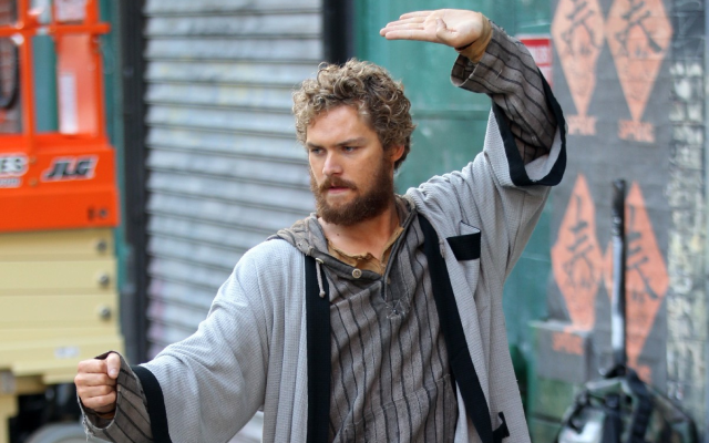 Finn Jones joue Iron Fist