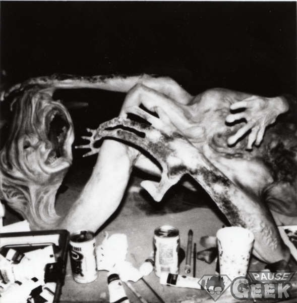 Image de Rob Bottin sur le tournage de The Thing de John Carpenter en 1982